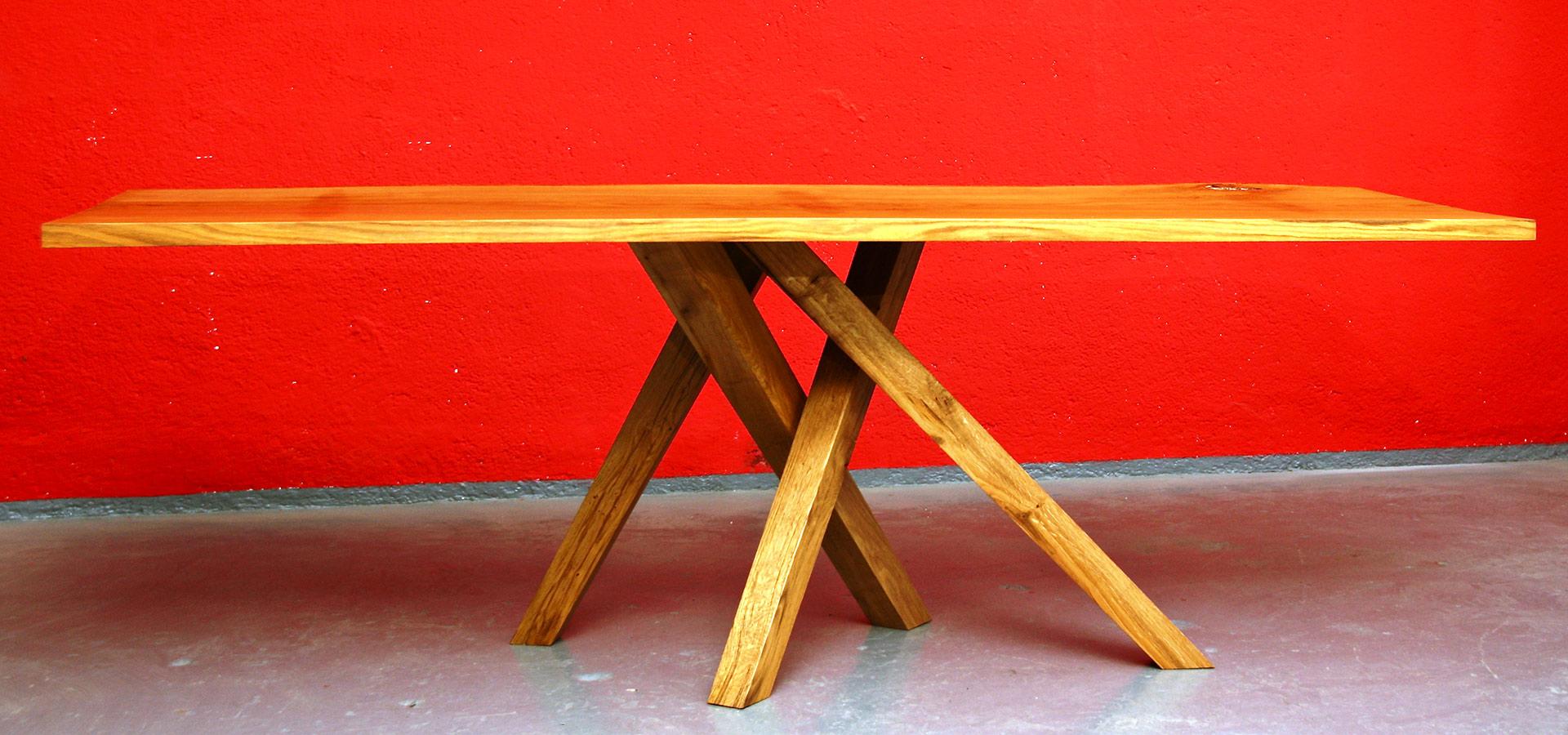 Tisch aus Eichenholz | Kunststück Schreinerei München
